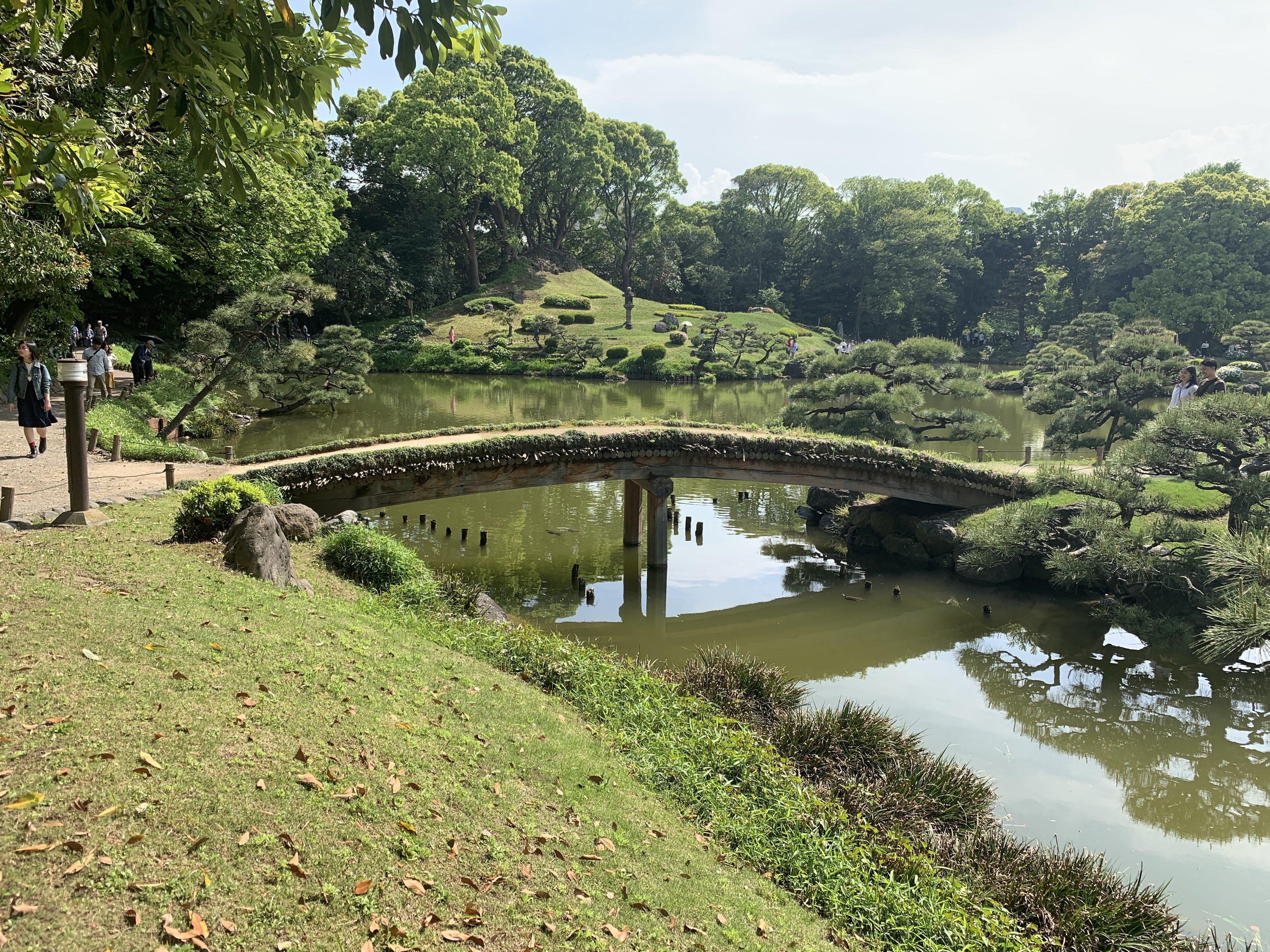 中の島に渡る橋